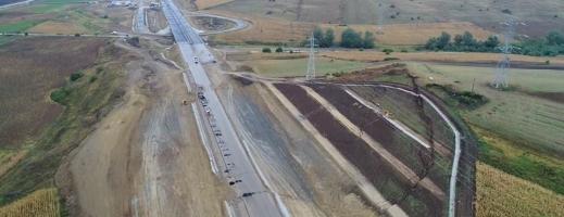 Un oraş şi 10 comune, fără apă din cauza unei avarii produse de constructorul autostrăzii Sebeş-Turda