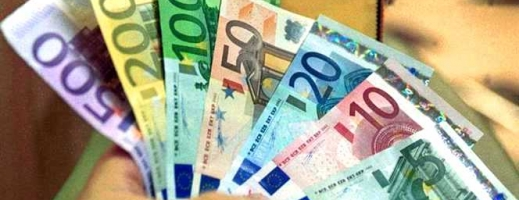 ANALIZĂ ECONOMICĂ Euro se apropie de 4,74 lei, aurul atinge un nou maxim
