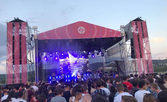 RO/HU Mii de tineri s-au distrat la Vibe Festival / Fiatalok ezrei bulizták át a hétvégét a Vibe Fesztiválon
