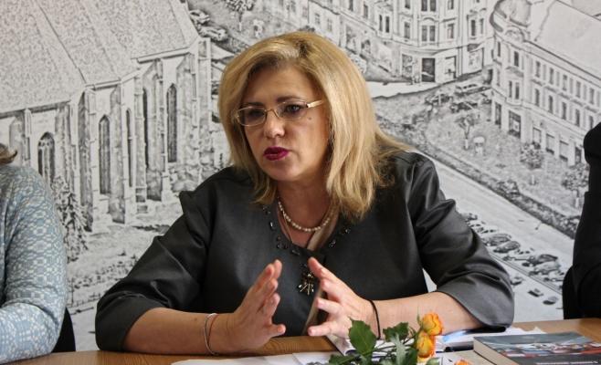 Un milion de euro costă înlocuirea Corinei Crețu. PSD îl vrea comisar european pe Ioan Mircea Pașcu