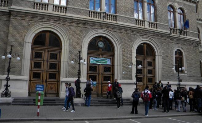 Locuri la UBB pentru absolvenții de liceu care vor să studieze în maghiară sau germană