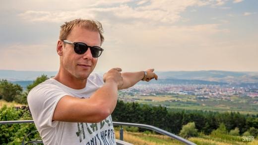 Vrei să apari în clipul lui Armin? DJ-ul olandez va turna un videoclip la Cluj-Napoca!