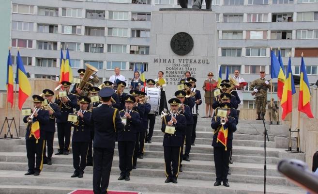 """Ziua Imnului Național al României, sărbătorită la Cluj-Napoca: """"Imnul reprezintă cartea de identitate a României în UE!"""""""