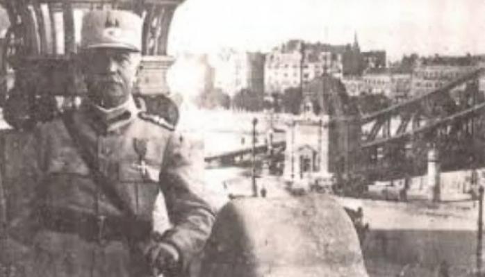 Statuie la Cluj-Napoca pentru generalul Mărdărescu, personaj-cheie în Primul Război Mondial care a salvat Ungaria de bolșevism