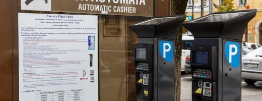 Parcometre noi și aplicație de plată pentru parcările cu barieră din Piața Unirii și Piața Mihai Viteazul