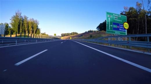 """""""Prostia, nemernicia, orgoliul stupid și incompetența criminală"""" au creat un uriaș muzeu de autostradă de 43 km!"""