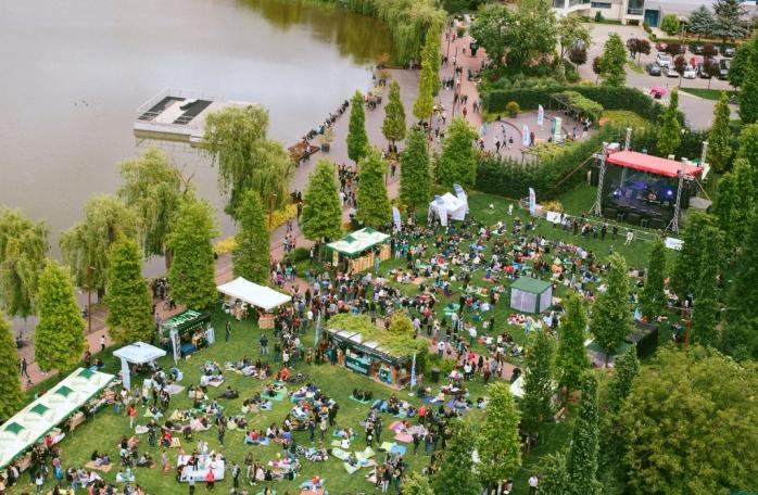 Activiștii pot răsufla ușurați: Iulius Mall NU intervine asupra spațiului verde din jurul lacului!