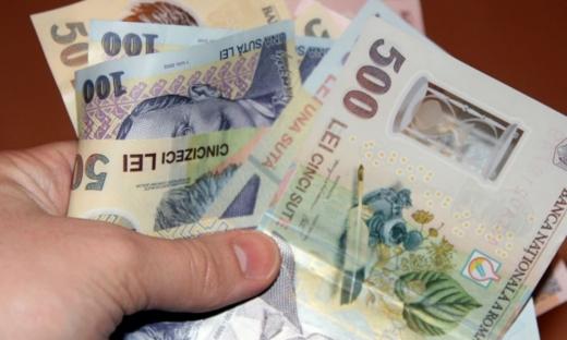 ANALIZĂ Euro a revenit sub pragul de 4,73 lei, în ciuda opunerii lui Iohannis privind remanierea