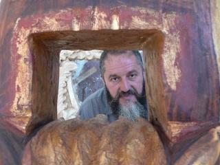 """Va fi dezvelit monumentul-simbol al Centenarului UBB. """"Laudă cărţii"""", realizat de sculptorul clujean Liviu Mocan"""