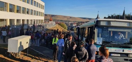 """Autobuzele speciale pentru transportul elevilor din Florești, """"un vis devenit realitate"""""""