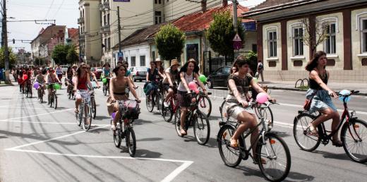VeloChic Cluj 2019 se apropie! Promenada elegantă de toamnă a biciclistelor clujence