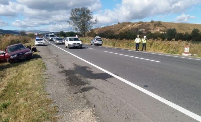 Pasager rănit după un accident petrecut la marginea Huedinului din cauza neatenției, sursă foto: IPJ Cluj