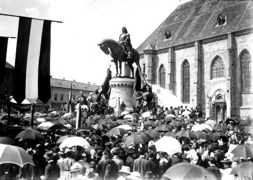 RO/HU FOTO 117 de la dezvelirea statuii lui Matei Corvin / 117 éve avatták fel a kolozsvári Mátyás-szobrot