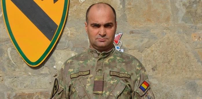 Un militar clujean consiliază recruții afgani în cadrul unei misiuni speciale în Afganistan