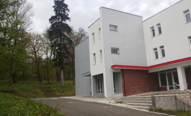 Consiliul Județean se laudă cu 2,5 mil. de lei investiți în noul corp de la spitalul din Borșa, sursă foto: CJ Cluj