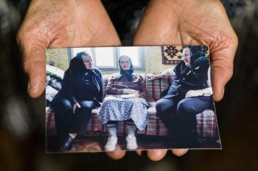 De la stânga la dreapta, Anica Bulz, Catrina Cilian și Ana Heidel sunt o parte din bocitoarele care au cântat la morți încă din tinerețe