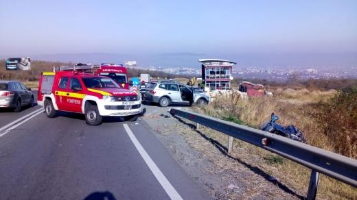 Accident GRAV în Feleacu! Un motociclist, proiectat peste parapet, sursă foto: ISU Cluj