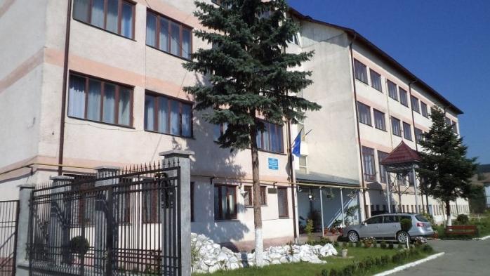 Tânăr de 16 ani, adus la psihiatrie la Cluj-Napoca după ce și-a agresat educatorii la centrul de plasament, sursă foto: bistriteanul.ro