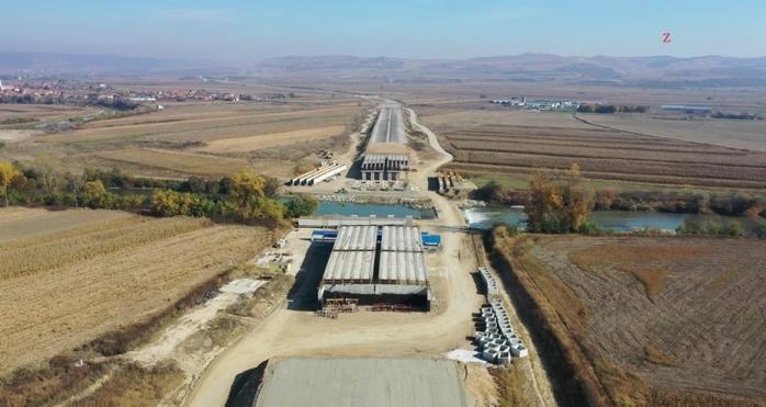 """S-a tras frâna de mână pe Autostrada Sebeș-Turda: """"Bătaia de joc la adresa cetățenilor continuă!"""", sursă foto: Facebook Asociația Pro Infrastructură"""