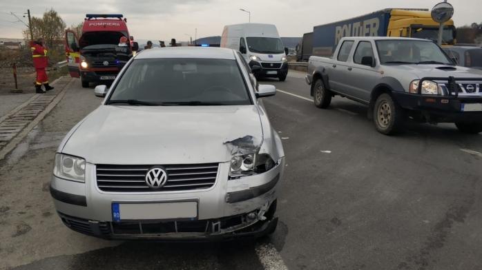 Trei mașini implicate într-un accident la Jucu, bărbat transportat la spital cu dureri la coloană, sursă foto: ISU Cluj