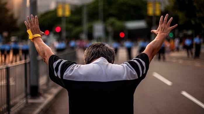 Din ianuarie, cu mâinile la vedere! Modificări legislative în domeniul ordinii și liniștii publice, sursă foto: Getty Images