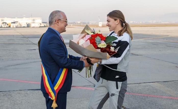 """OFICIAL Consilierii au decis, Simona Halep va deveni cetățean de onoare al Clujului. Boc: """"Un vot de suflet pentru marea noastră campioană!"""", sursă foto: Facebook Emil Boc"""