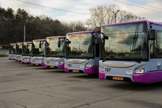 """Veste bună pentru pensionari! CTP Cluj-Napoca emite cardurile de transport public pentru """"seniorii cetății"""""""