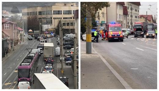 Accident pe Oașului, un pieton a fost rănit pe trecere după ce două mașini s-au ciocnit, sursă foto: Facebook Info Trafic jud. Cluj