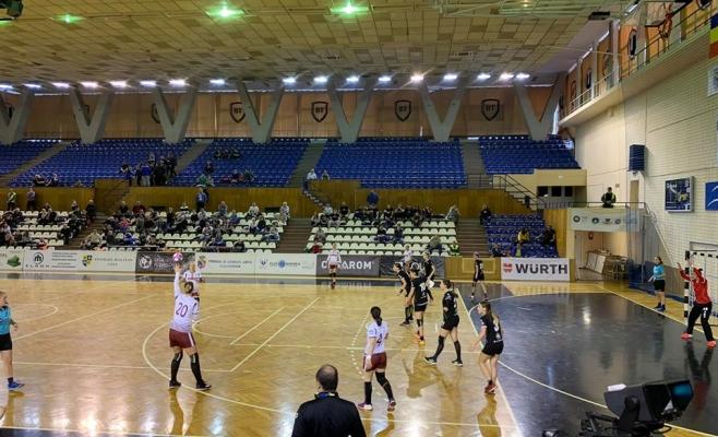 """Handbalul feminin respiră! """"U"""" Cluj, victorie crucială în derby-ul suferinței cu Rapid București, sursă foto: Facebook Sorin Moldovan"""