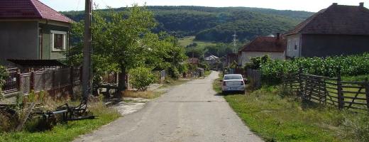Rezolvă Consiliul Județean Cluj problemele cu apa întâmpinate de sătenii din Popești și Corușu?, sursă foto: Wikipedia Popești