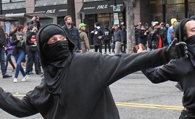 Tânăr clujean, atacat cu pietre de un grup de bărbați în zona Gării pentru un conflict mai vechi, sursă foto: businessinsider.com