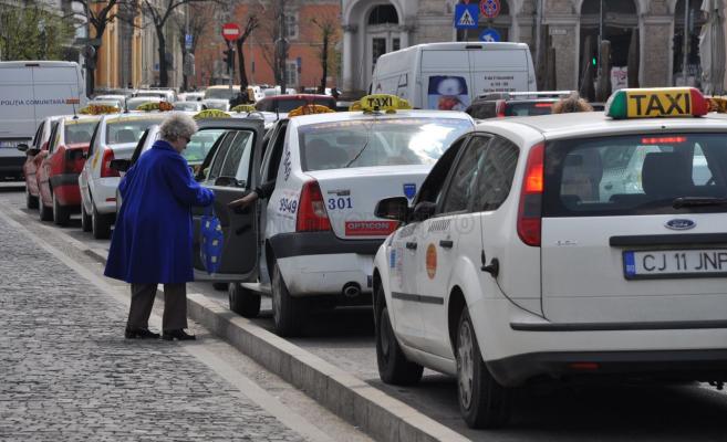 """Majorarea tarifelor de taxi în Cluj-Napoca, împotmolită în acte? """"Când specialiștii semnează, va fi aprobată!"""""""