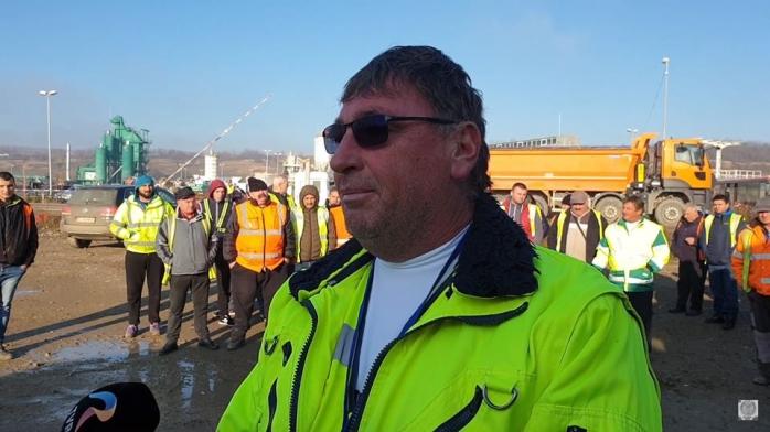 """Apel la Guvernul Orban după protestul de pe lotul 2 al A10 Sebeș-Turda: """"Să se implice de urgență!"""", sursă foto: Facebook Asociația Pro Infrastructură"""