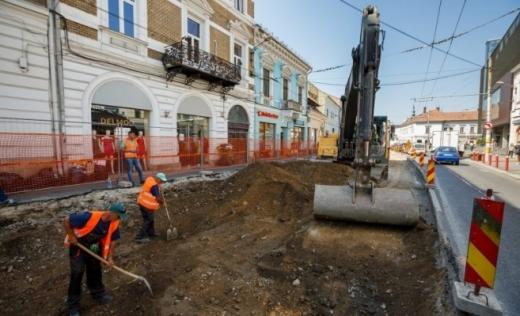 Lucrările de modernizare a străzii Regele Ferdinand sunt în grafic