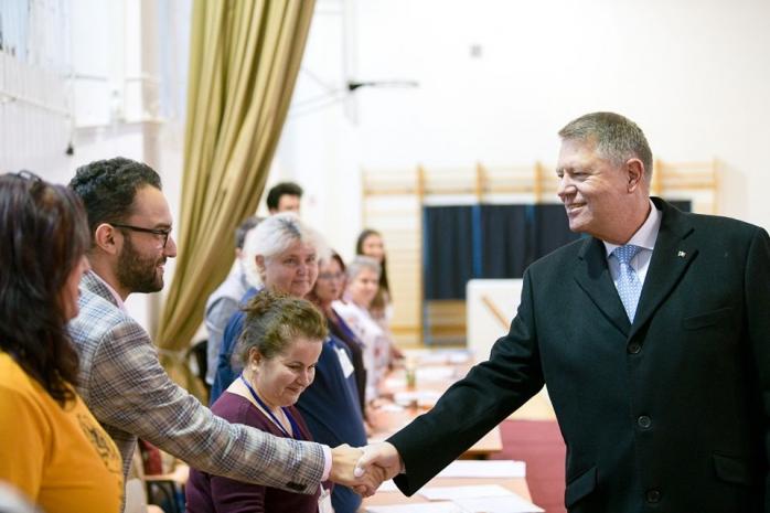 """Iohannis a primit votul a 6,5 mil. de români. Cifrele """"prezidențialelor"""" în ultimii 30 de ani, sursă foto: Facebook Klaus Iohannis"""