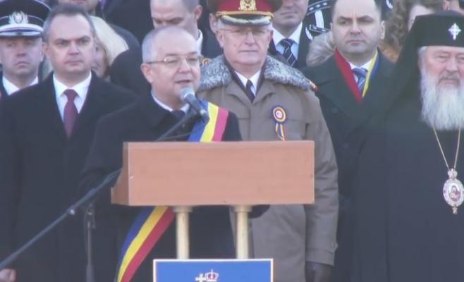 """Emil Boc, de Ziua Națională: """"Clujenii, românii se vor întoarce, căci sufletul lor este acasă!"""", captură video Facebook Emil Boc"""
