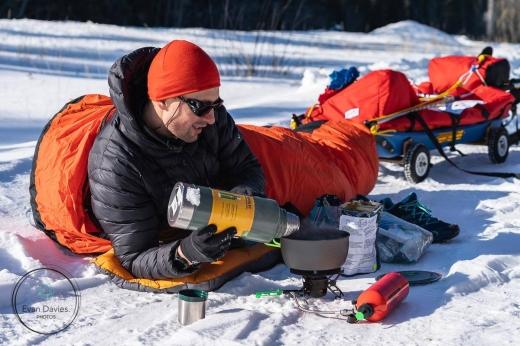 Clujeanul Vlad Crișan-Pop înfruntă gheața și frigul năprasnic cu gândul la copiii bolnavi de cancer