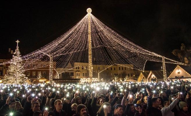 Boc îndeamnă la vot: ultimele două zile pentru Târgul de Crâciun în concursul cu marile târguri din Europa, sursă foto: Facebook Emil Boc