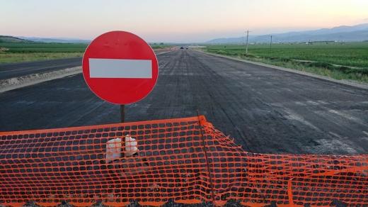 """Vom avea autostrăzi în 2020? Avertisment pentru ministru: """"Ați intrat sub influența minciunilor!"""", sursă foto: Facebook Asociația Pro Infrastuctură"""