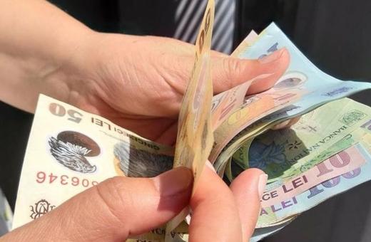 OFICIAL Crește salariul minim brut! Salariații cu studii superioare stau pe tușă