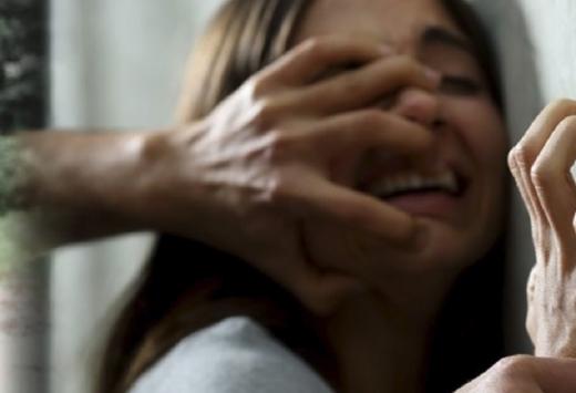 Bucureștean reținut de polițiștii clujeni. Abuza sexual o minoră CU ACORDUL MAMEI!