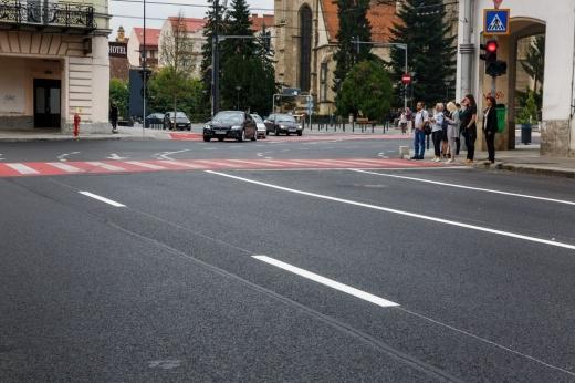 """Boc, pole(i)mică despre străzile alunecoase: """"Vara de ce nu apare această pojghiță?"""""""