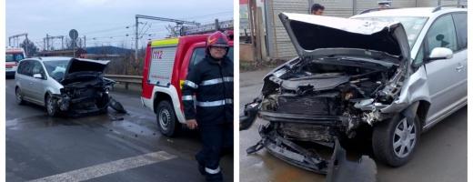 Accident pe strada Moș Ion Roată, o tânără de 18 ani a ajuns la spital, sursă foto: ISU Cluj