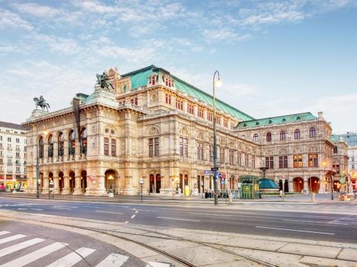 Clujeanca din conducerea școlii de balet a Operei de Stat din Viena, înlăturată din funcție