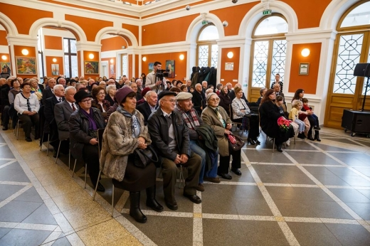 Cuplurile de aur ale Clujului, premiate de municipalitate, sursă foto: Facebook Emil Boc