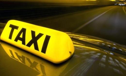 """Gata cu """"jungla"""" de la Aeroport? Licențele unor taximetriști au fost retrase pentru neregulile găsite"""