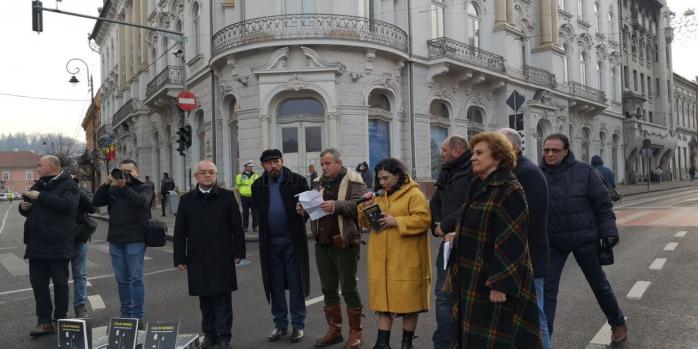 Revoluționarul Călin Nemeș, omagiat în locul în care a ieșit cu pieptul gol în fața armatei, sursă foto: Bianca Tămaș/ monitorulcj.ro