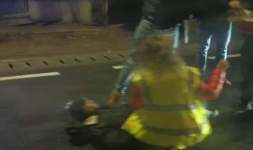 Rupt de beat, a traversat aiurea strada și a fost luat pe capotă de o șoferiță în Florești, sursă foto: IPJ Cluj