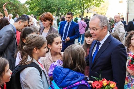 Cluj-Napoca pune preț pe elevi! 20% din bugetul pe anul 2020 merge spre educație