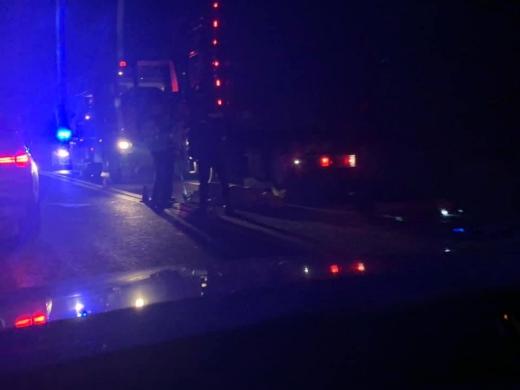 Sfârșit CUMPLIT pentru un șofer de TIR la Bucea! A pierit STRIVIT de roțile mastodontului, sursă foto: Facebook Info Trafic jud. Cluj